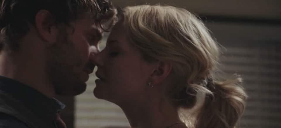 Emma and Graham kiss