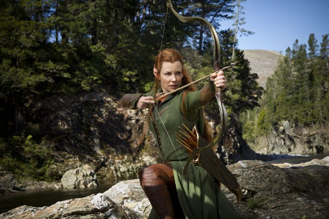 Tauriel shooting a bow. Photo by James Fisher: Warner Brothers