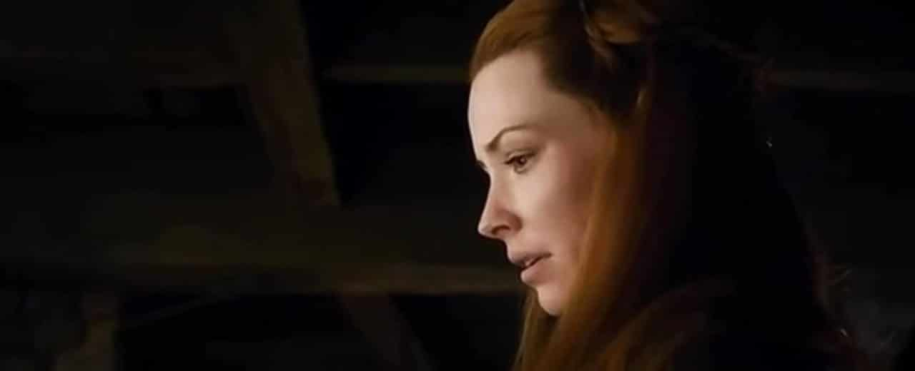 Tauriel is clearly moved and looks down at Kili.