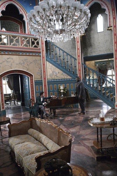 Look at the set... Dracula NBC