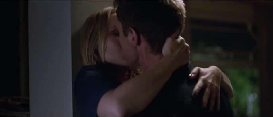 kiss wall 3