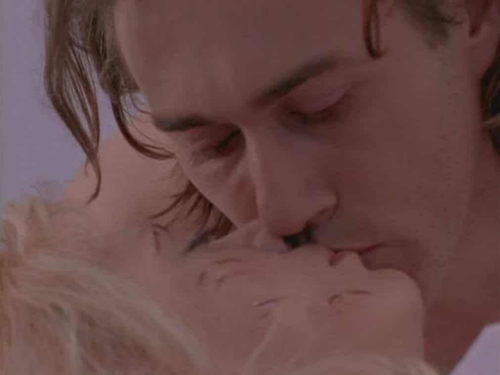La Femme Nikita kiss. Romantic TV Shows.