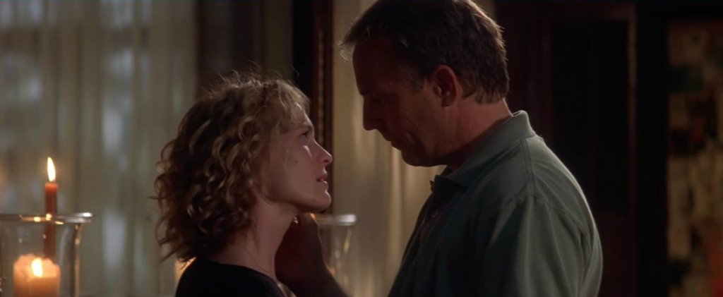 Message in a Bottle starring Kevin Costner and Robin Wright. Photo: Warner Bros