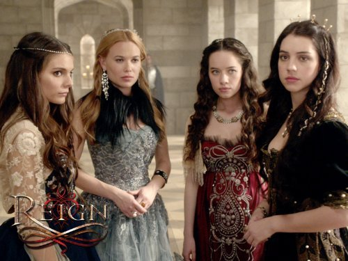 Mary (Adelaide Kane), Lola (Anna Popplewell), Greer (Celina Sinden), and Kenna (Caitlin Stasey) Photo: CW