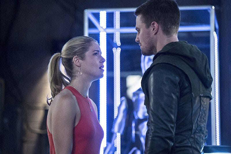 Oliver-and-Felicity_Sara_CW