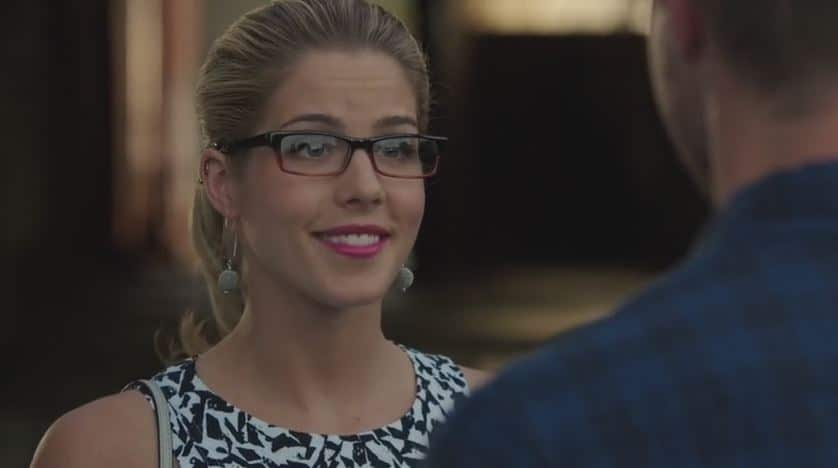 asks felicity out on date 2