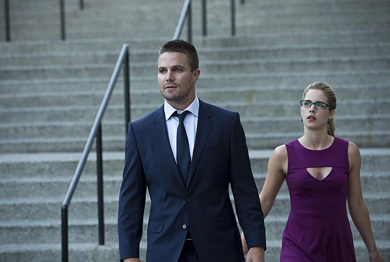 oliver and felicity lose queen consolidated
