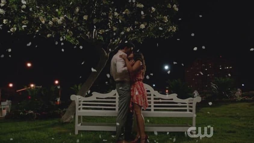 Jane and Rafael kiss again 3