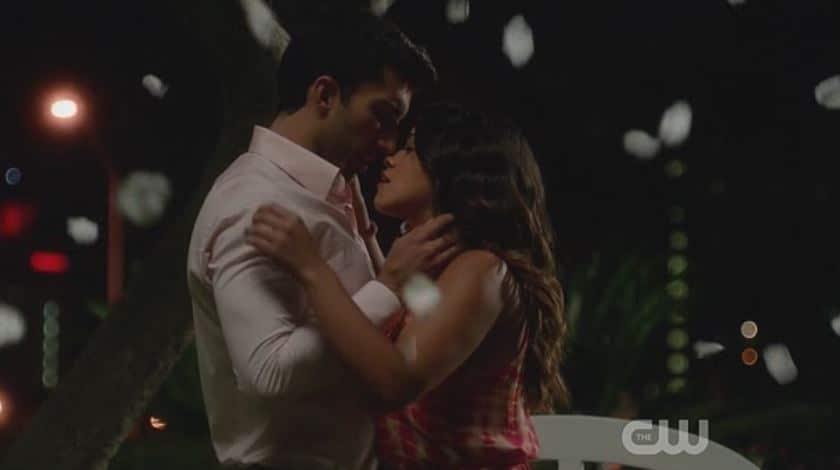 Jane and Rafael kiss again