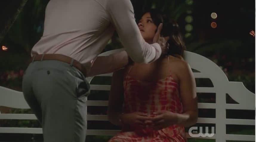 Rafael and Jane kiss 1