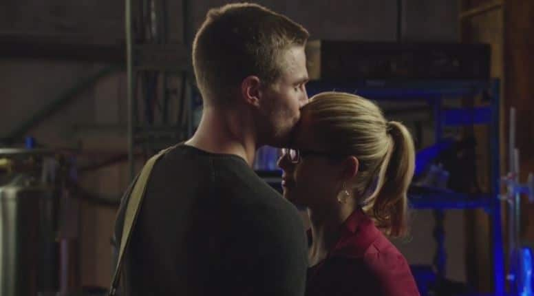 Oliver kisses Felicity on forehead