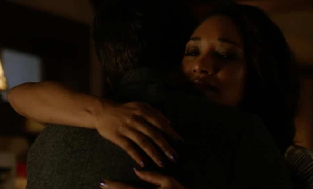 The Flash E9 Screencap (Iris Hug)