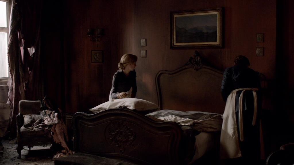Downton E2 Screencap (Anna Cleaning)