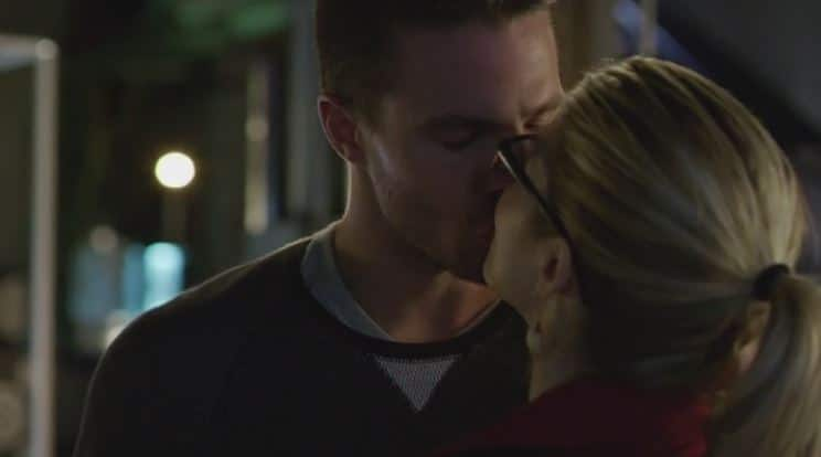 Oliver and Felicity dream kiss 3