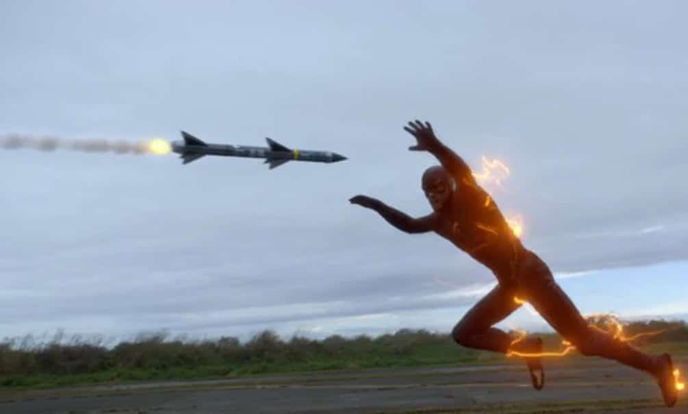 The Flash E10 Screencap (Barry vs. Drone)