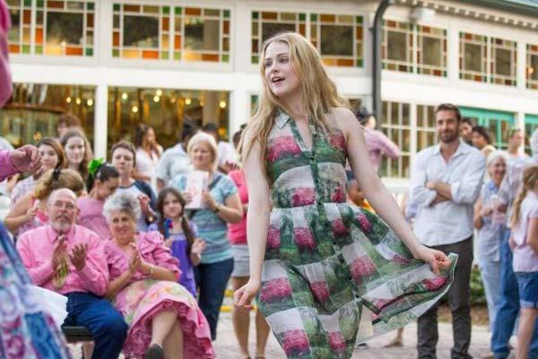 Daisy-dancing_Barefoot_Phot