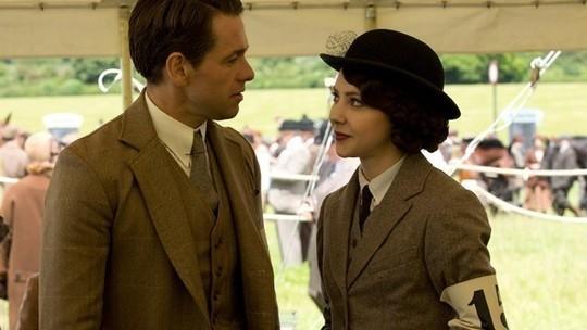 Downton Abbey E6 (Blake and Mabel)