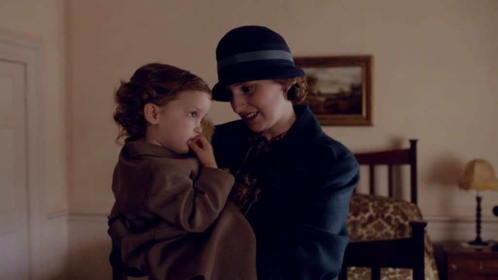Downton E6 Screencap (Edith and Marigold)