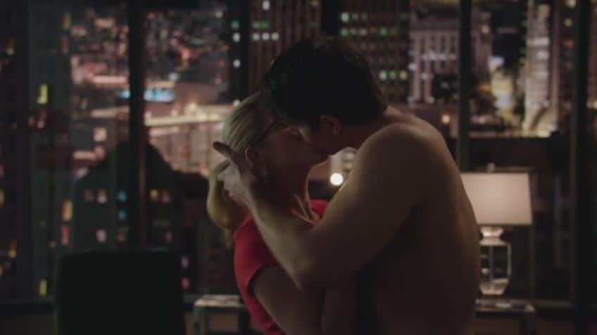 Felicity and Ray kiss 3