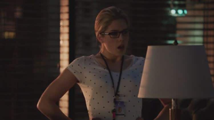 Felicity needs to stop talking to herself