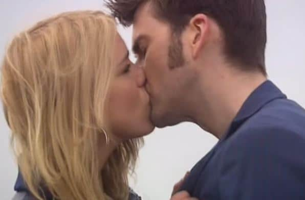 ten and rose kiss journey's end