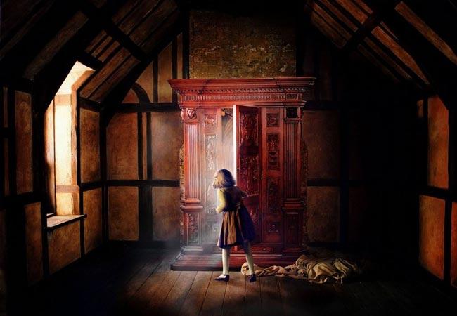 Narnia: Behind the Wardrobe Door