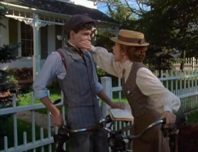 Anne and Gilbert flirting