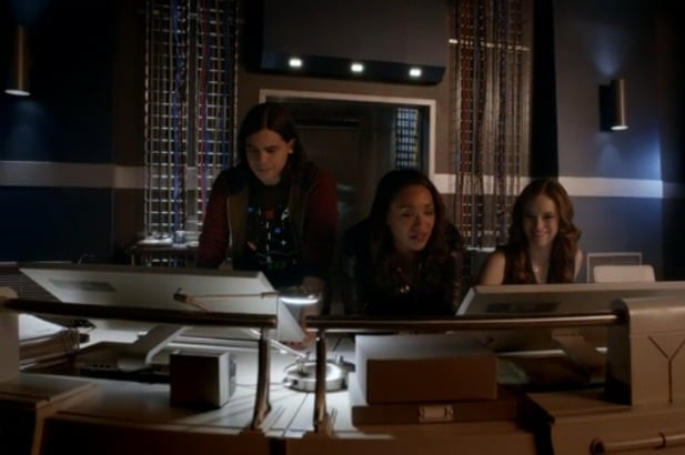 The Flash E21 Screencap (Iris)