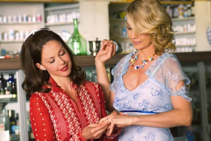 Big Stone Gap Publicity Still with Ashley Judd and Jenna Elfman