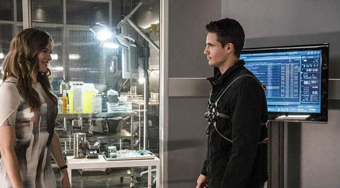 The Flash S2E1 (Ronnie and Caitlin)