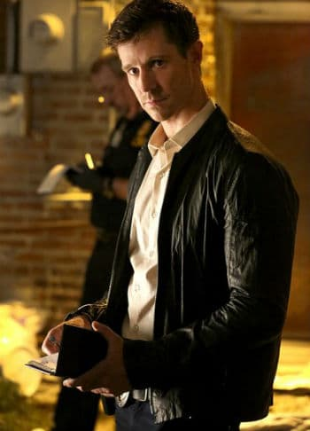 """Jason Dohring as Detective Kinney in """"You Hung the Moon."""" Photo: CW."""