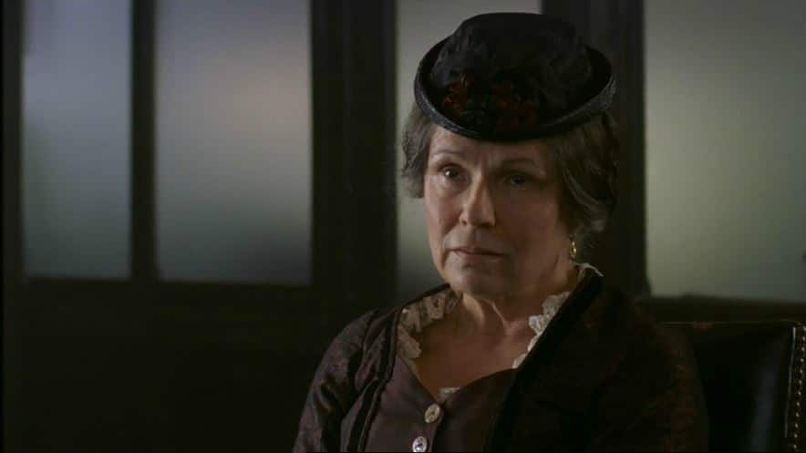 The Ruby in the Smoke - Julie Walters