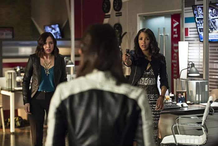 The Flash - The Darkness and the Light Recap - Iris and Linda