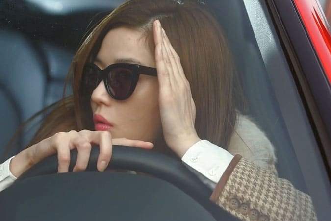 "Song-Yi ""avoiding"" the paparazzi - My Love From Another Star Review"