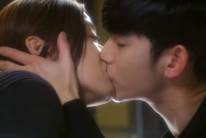 Min-Joon-and-Song-Yi-kiss - My Love From Another Star Review