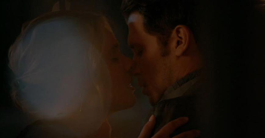 Romantic Moment of the Week - Klaus and Cami's First Kiss and Tragic Ending
