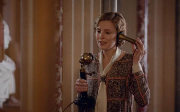 Downton Abbey S6 E2 (Lady Edith on Phone)