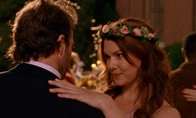 Luke (Scott Patterson) and Lorelai (Lauren Graham) dance
