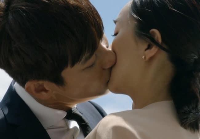 Mask-kiss; Korean Drama kisses