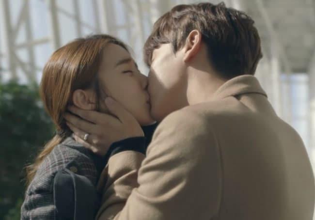 My-Secret-Hotel-kiss; Korean Drama kisses