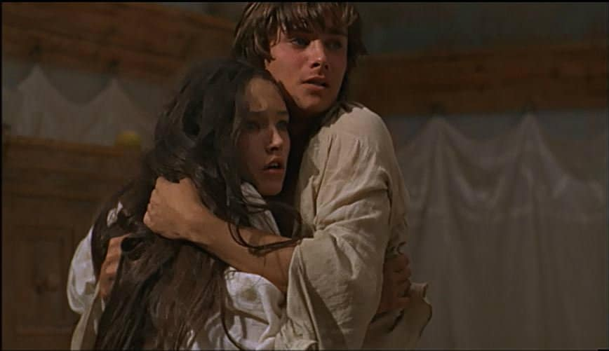 conflict in romeo and juliet Based on the prologue, what is the main conflict in romeo and juliet romeo and juliet live in different cities romeo kills himself by accident.