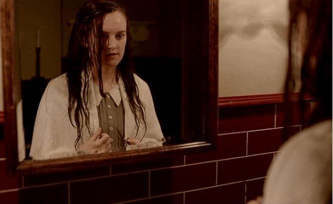 Downton Abbey Finale Screencap8 (Daisy Cuts Hair)