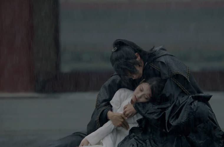 hae-soo-collapses-moon-love