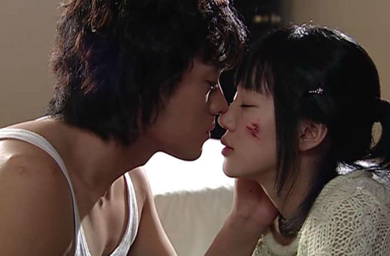 im-sorry-i-love-you-kiss