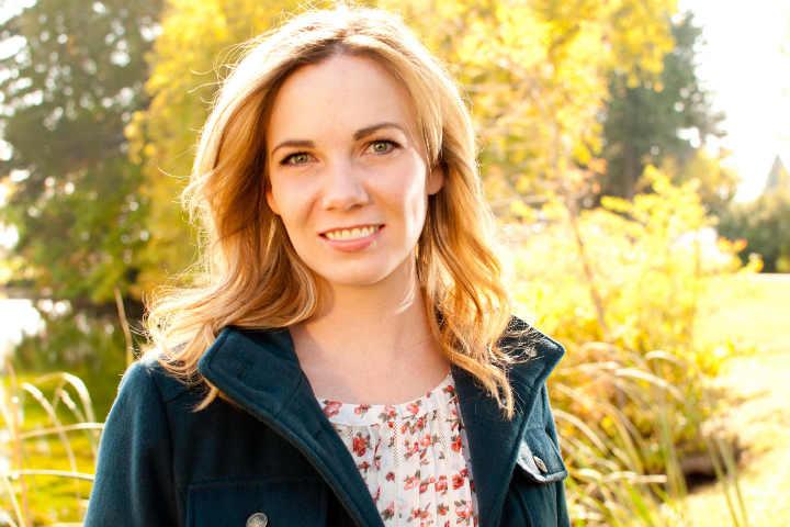 Author Spotlight and Interview -Lara Hays
