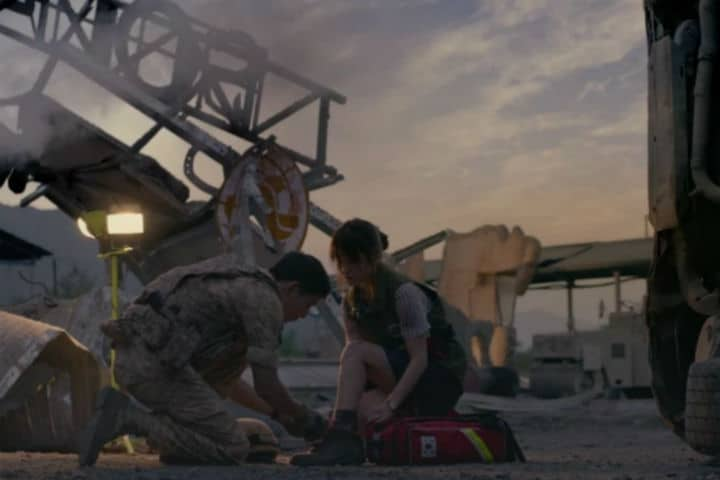 Romantic Moment of the Week – Descendants of the Sun and Shoelaces