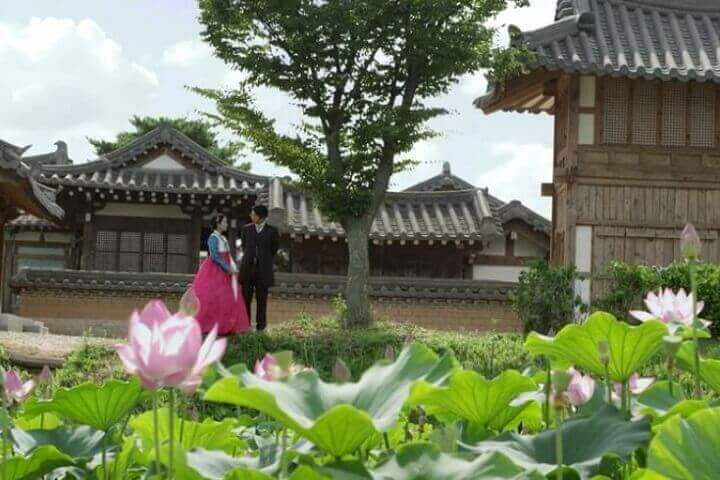 Romantic Moment of the Week: Hanjo and Hye-Won's Hidden Pasts From Gunman in Joseon