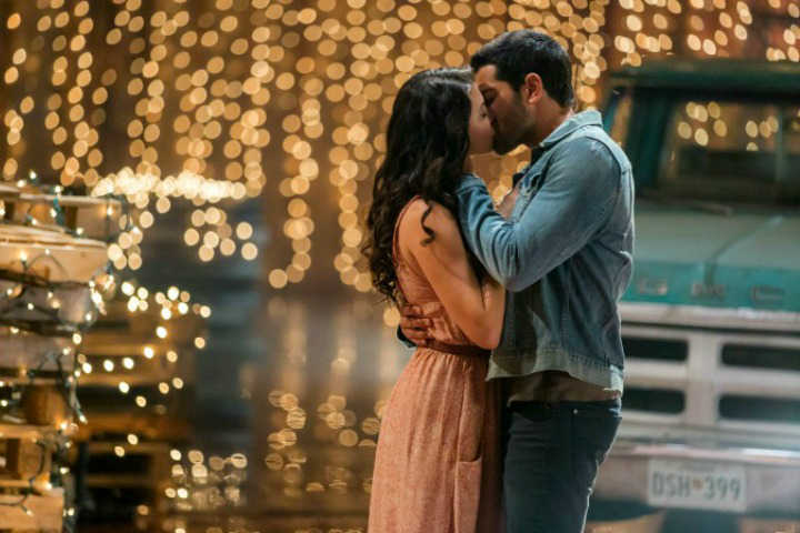 """The First Dance   Abby and Trace share a dance in Hallmark Channel's """"Chesapeake Shores"""""""
