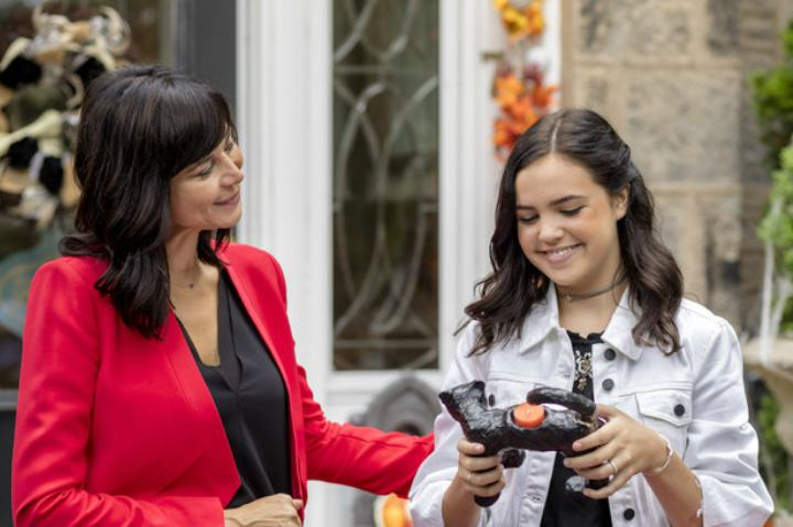 "Catherine Bell stars in ""Good Witch: Spellbound"" 