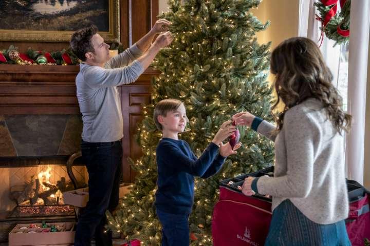 Countdown to Christmas   Previewing Hallmark's 2017 Originals!